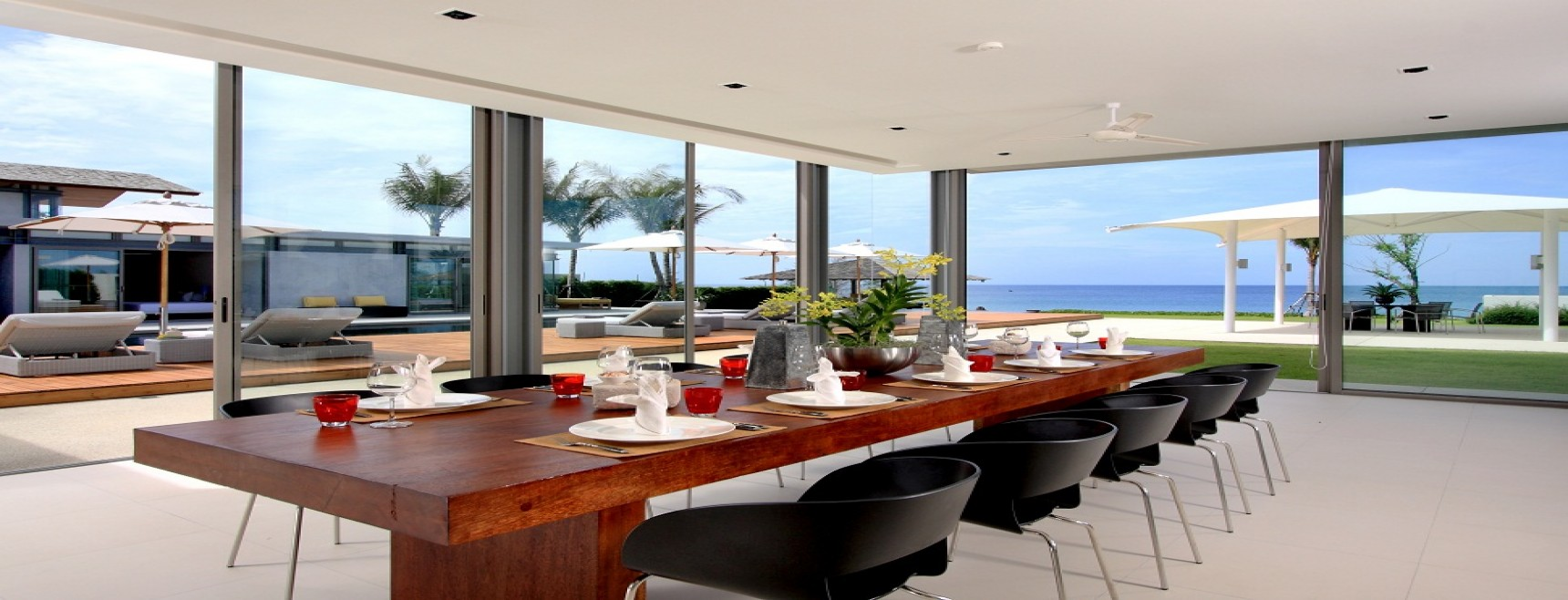 Distinctive luxury beachside appeal