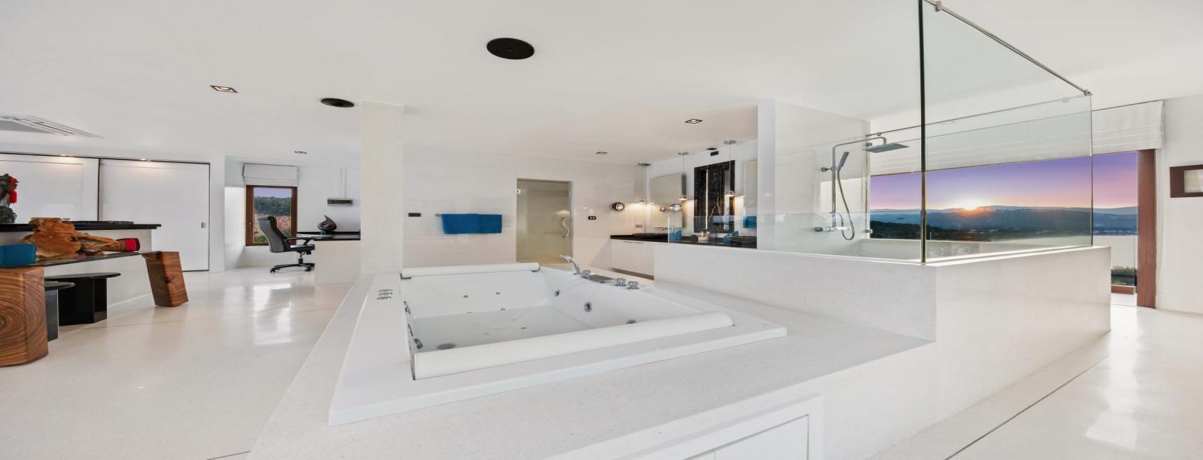 3 Bed Sea View Villa For Sale Bangrak Bay, Koh Samui (Thai-Real.com)