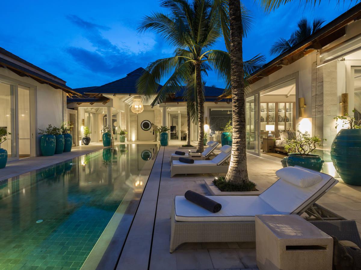 Mia Palm Villa For Sale Beach Front Chaweng (Thai-Real.com)